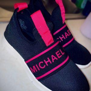 Michael Kors Girls Sneakers 💗🖤🤍